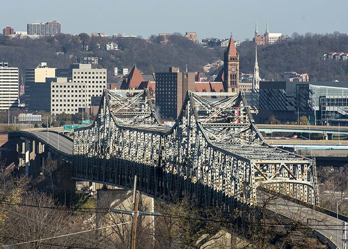 The Brent Spence Bridge could remain empty until the end of the year.
